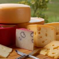 Como cortar servir queijos
