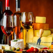 Queijo e vinho, todo mundo adora!